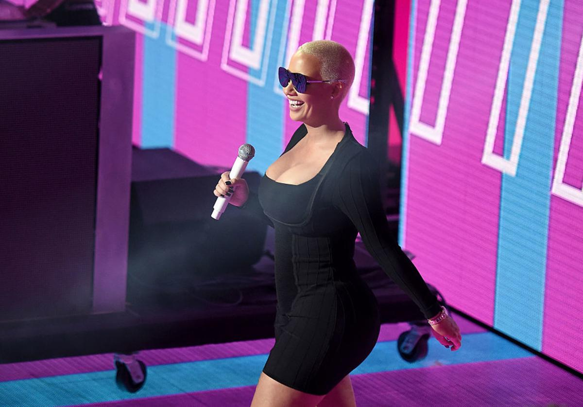 Amber Rose speaks onstage during the VH1 Hip Hop Honors: All Hail The Queens at David Geffen Hall on July 11, 2016 in New York City.