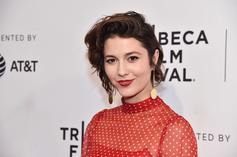 """Mary Elizabeth Winstead Plays A Comedian In New Movie Trailer For """"All About Nina"""""""