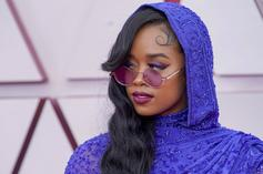 """H.E.R. Honors Fred Hampton During """"Fight For You"""" Performance At 2021 Oscars"""