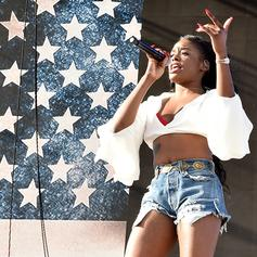 "Azealia Banks Drops Off House-Inspired ""Movin' On Up"""