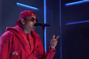 "Chris Brown Performs ""X"" & ""Loyal"" On Jimmy Fallon"