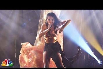 """FKA Twigs Performs """"Two Weeks"""" Live On Jimmy Fallon"""