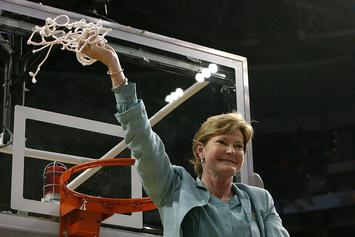 Pat Summitt Passes Away At The Age Of 64