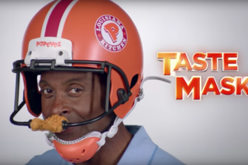Twitter Roasts Jerry Rice For Wearing Chicken Helmet In Popeyes Commercial