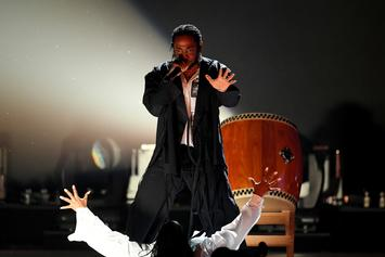 Watch Kendrick Lamar Open Up 2018 Grammys Featuring U2 and Dave Chappelle