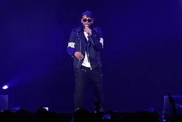 """R. Kelly Addresses Sex Cult Allegations, Illiteracy, & More In 19-Minute Song """"I Admit"""""""