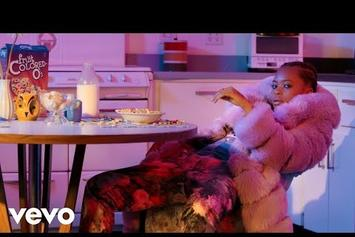 """Kodie Shane Rolls Through With Smooth """"Sing To Her"""" Video"""