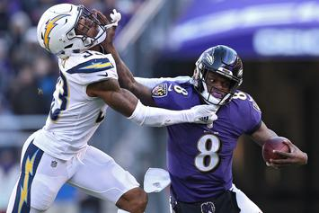 Lamar Jackson Was Booed By The Ravens Crowd And His Teammates Aren't Happy About It
