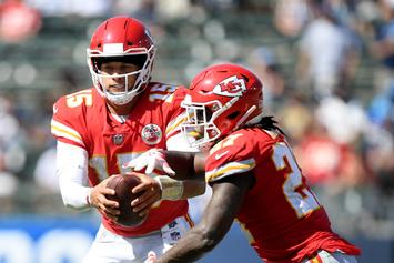 """Patrick Mahomes Wishes The Best For Kareem Hunt: """"Hopefully He'll Get Another Chance"""""""