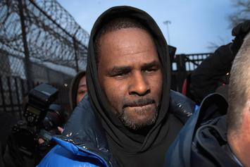Woman Who Paid R. Kelly's Bail Receives Fake Bomb Threat