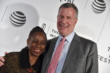 "NYC Mayor Bill de Blasio Is Catching Heat For Flapping Arms To ""I Believe I Can Fly"""