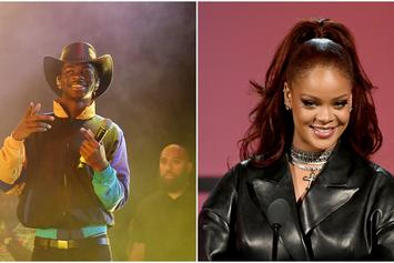 "Lil Nas X Poses With Rihanna At The 2019 BET Awards: ""Star Struck"""