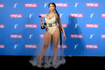 Nicki Minaj Twerks, Shows Insane Cleavage & Debuts Fendi Print Hair