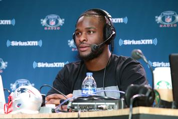 Le'Veon Bell & Lira Galore Spark Dating Rumors After Flirty Twitter Exchange