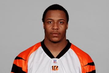 Former NFL Player Terrell Roberts Shot & Killed In His Grandmother's Backyard