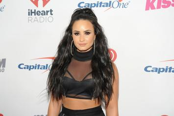 Demi Lovato Nude Photos Leak Online After Snapchat Hack