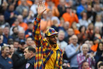 Carmelo Anthony Dazzles Blazers Fans And Gets Standing Ovation: Watch