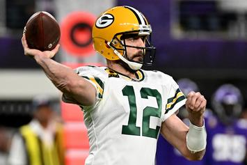 Aaron Rodgers Throws Shots At Vikings Fans After MNF Win