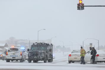 """Colorado Bank Robber Tosses Around Money On Street & Shouts """"Merry Christmas"""""""