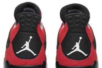 "Carmelo Anthony's Air Jordan 4 ""Red Suede"" Sample Resurfaces"
