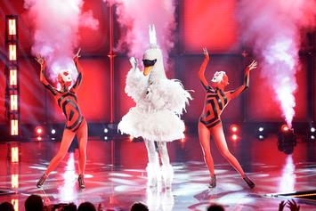 """The Masked Singer"" Unveils Swan After Odd Sarah Palin Reveal"