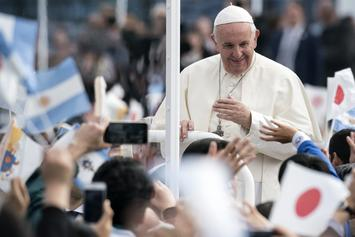 Pope Francis Promotes Universal Basic Income In Easter Letter