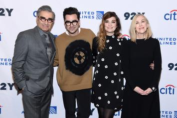 """""""Schitt's Creek"""" Completes Sweep Of Comedy Awards At Emmys"""