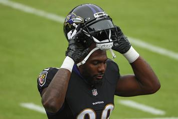 Dez Bryant Officially Signs With The Ravens