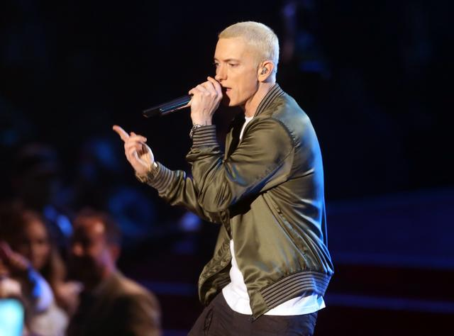 Em at 2014 music video awards