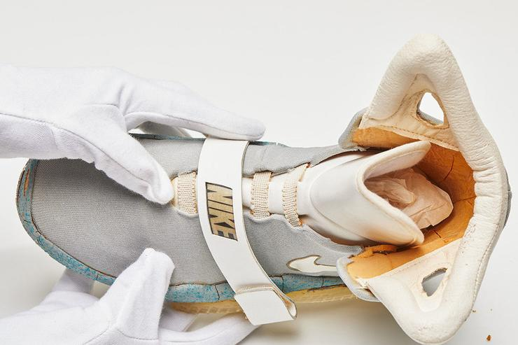 Original Nike Mag From 1989 Up For Auction 041ac855965d